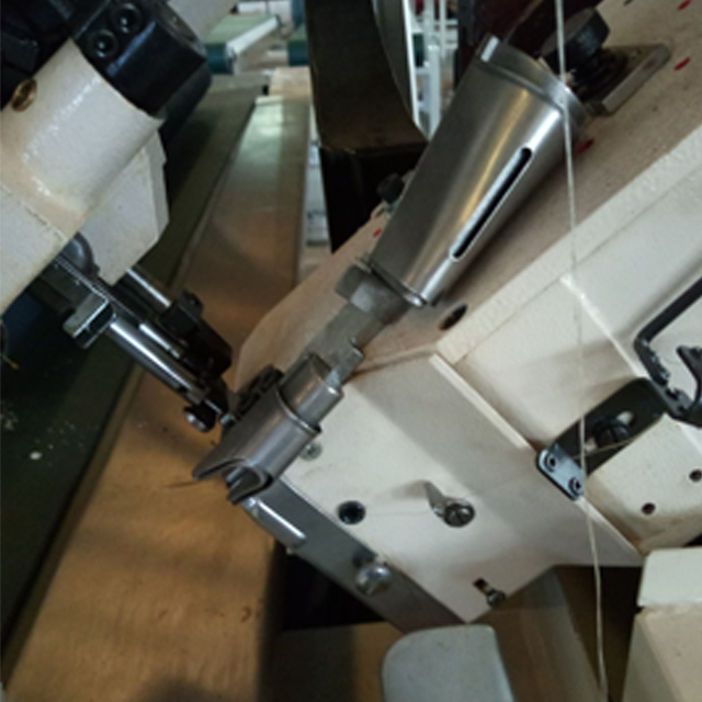 FB5L 自動翻轉床墊縫紉圍邊機